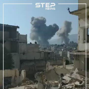 شاهد بالفيديو|| بعد غياب الطيران السوري عن سماء إدلب لأكثر من 55 يومًا.. هكذا عاد لقصفه مجددًا