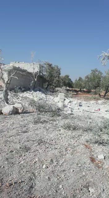 """مجزرة بـ""""السحارة"""" غربي حلب وعشرات الإصابات بقصف الطيران الروسي"""