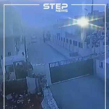 لحظة انفجار سيارة مفخخة أمام مديرية الشرطة بمدينة الراعي