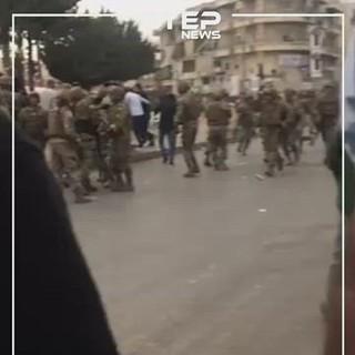 اشتباكات دامية بين الجيش اللبناني ومتظاهرين في تعلبايا قرب زحلة(فيديو)