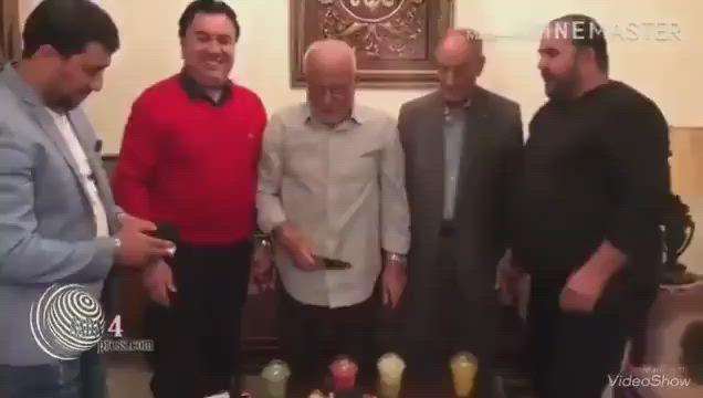 """بموال لبناني والد """"نصر الله"""" يُهنئ نجله بميلاده الـ60 (فيديو)"""