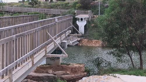 Rotura de la pasarela del Río Seco de Mil Palmeras