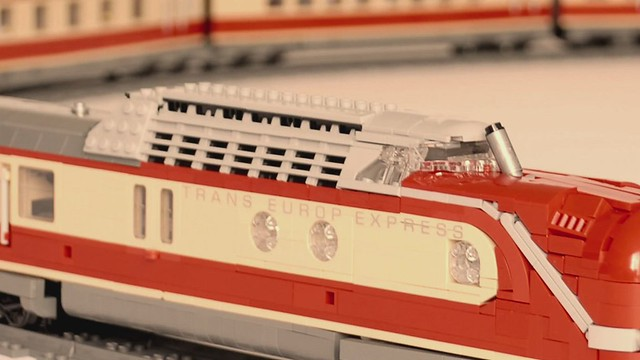 LEGO VT 11.5 Trans Europ Express (TEE) – video