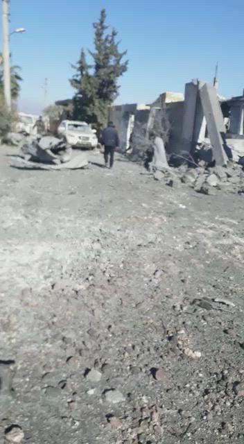 """عاجل   مجزرة مروّعة يرتكبها طيران النظام السوري في مدينة """"النيرب"""" (فيديو)"""