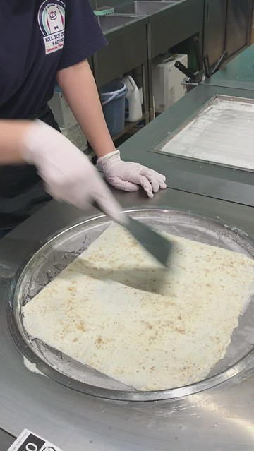 Curl ice cream step-2: smoothening the now frozen cream into sheet form