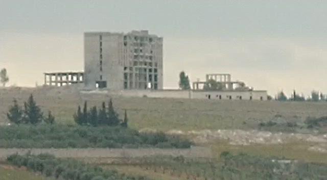 بالفيديو|| الطيران الحربي الروسي يستهدف فندقًا بريف حلب الغربي.. ويدمره بشكل تام