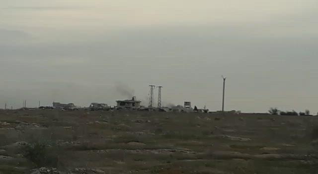 بالفيديو|| عربة مفخخة تستهدف قوات النظام السوري بريف حلب الغربي.. وحصيلة المعارك بالعشرات