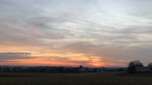 sunset timelapse strasburg saudersburg pennsylvania iphone iphonex cellphone rural farm field color colorful outside outdoor video tree trees clouds sky