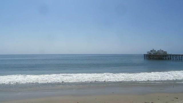 a quiet morning at surfrider beach