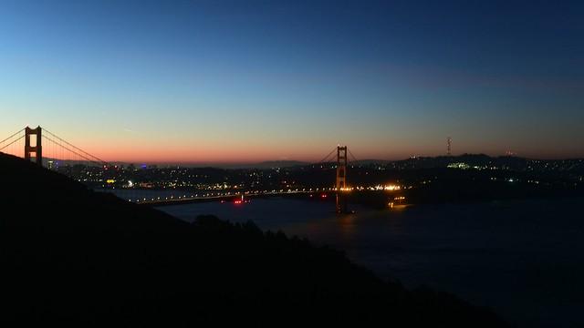 Dawn behind the Golden Gate Bridge