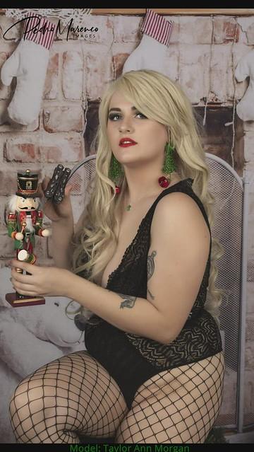Taylor A - Christmas Shoot