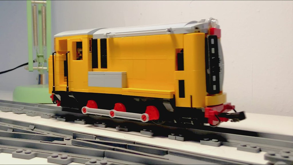 LEGO 15 Class with Red Counterweights