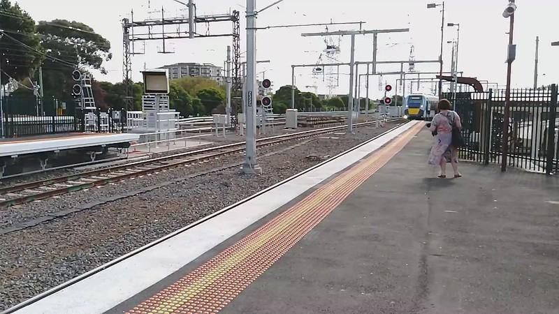 HCMT/Evolution train arriving at Caulfield
