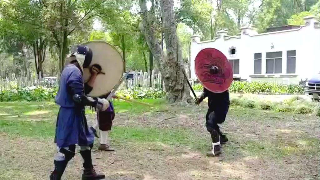 Duelo vikingo con espada de acero y escudo (avanzado.) Hirdman Alfonso vs Jarl Rodrigo de Ormbitur.