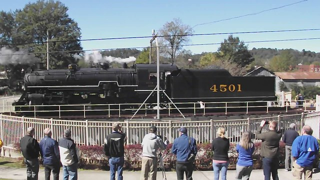 4501 rides the turntable