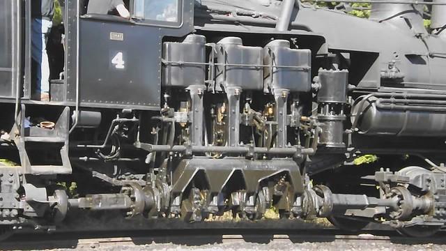 Shay piston and driveshaft motion