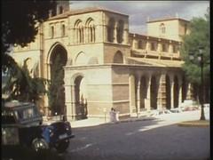 Ávila. Película super8. Turistas- C2, San Vicente, Muralla, 1974. Archivo Jose Luis Pajares.