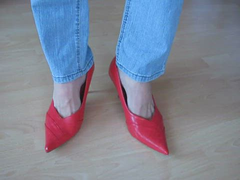 red leather pumps and jeans - shoeplay
