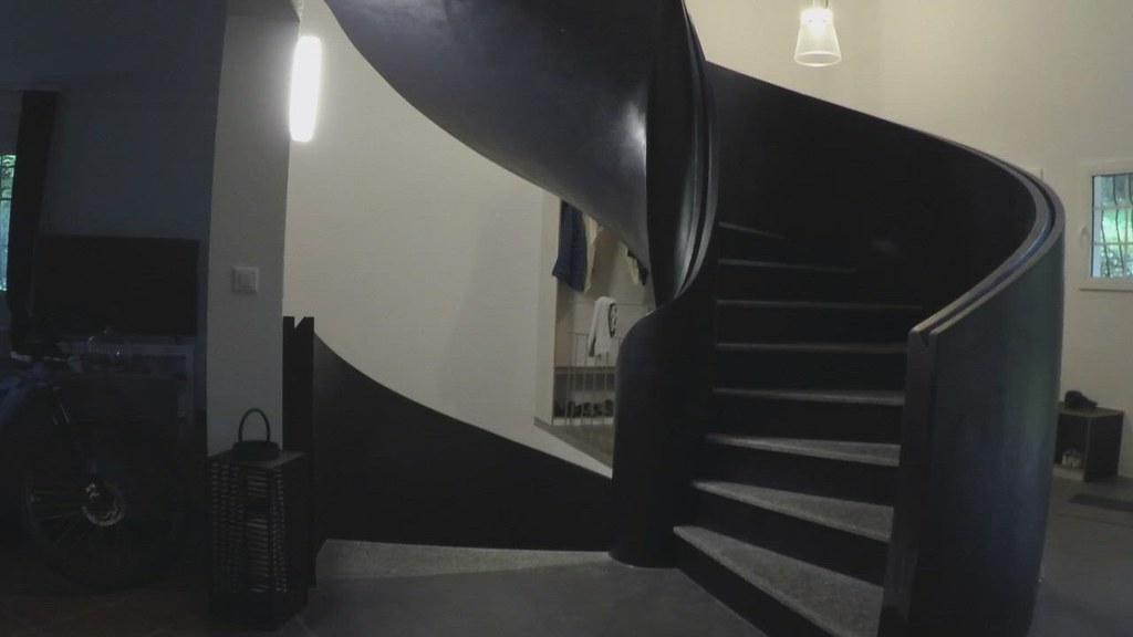 Escalier tournant en ferrociment-ciment w