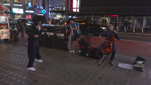 Video:  NYC Times Square Street Musicians & Dancer   (C0275