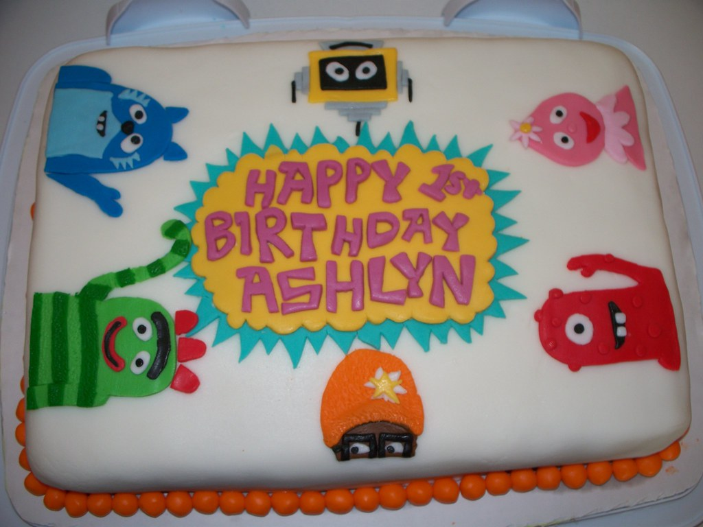 Incredible Yo Gabba Gabba Cake Made For My Daughters First Birthday Flickr Funny Birthday Cards Online Inifofree Goldxyz