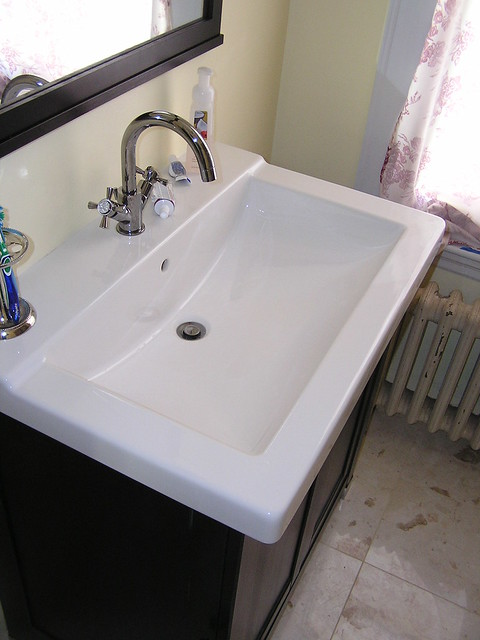 Ikea sink and faucet