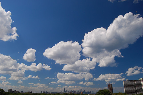 chicago skyline clouds kenwood