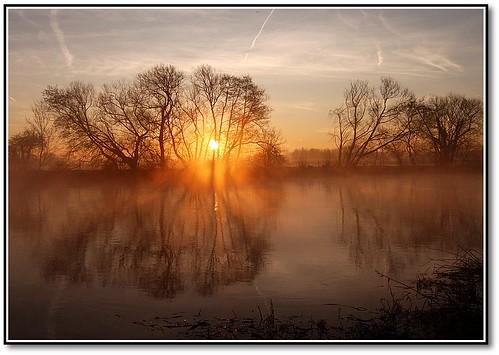 winter thames sunrise river