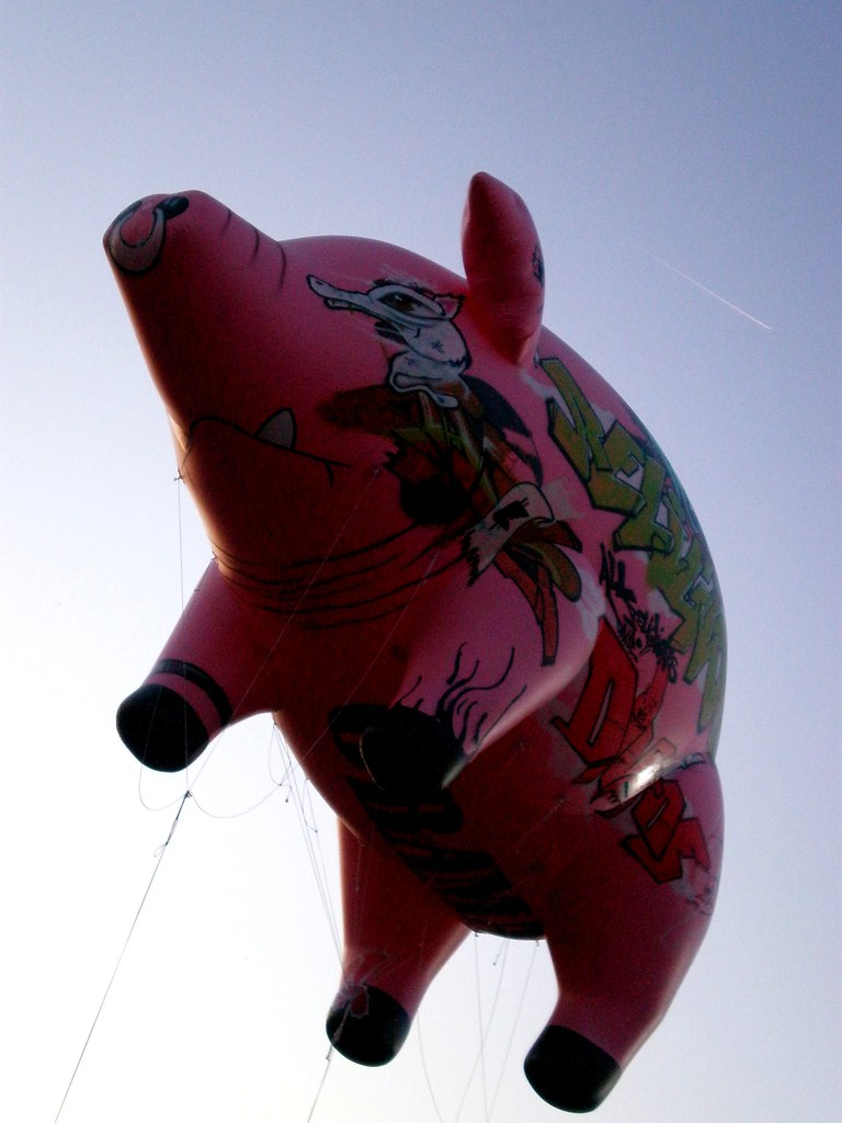 Pink Floyd's Iconic Inflatable Pig | Flickr - Photo Sharing!