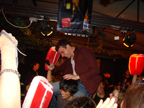 DSC02850-Rich rides Manny into the crowd | by bagelradio