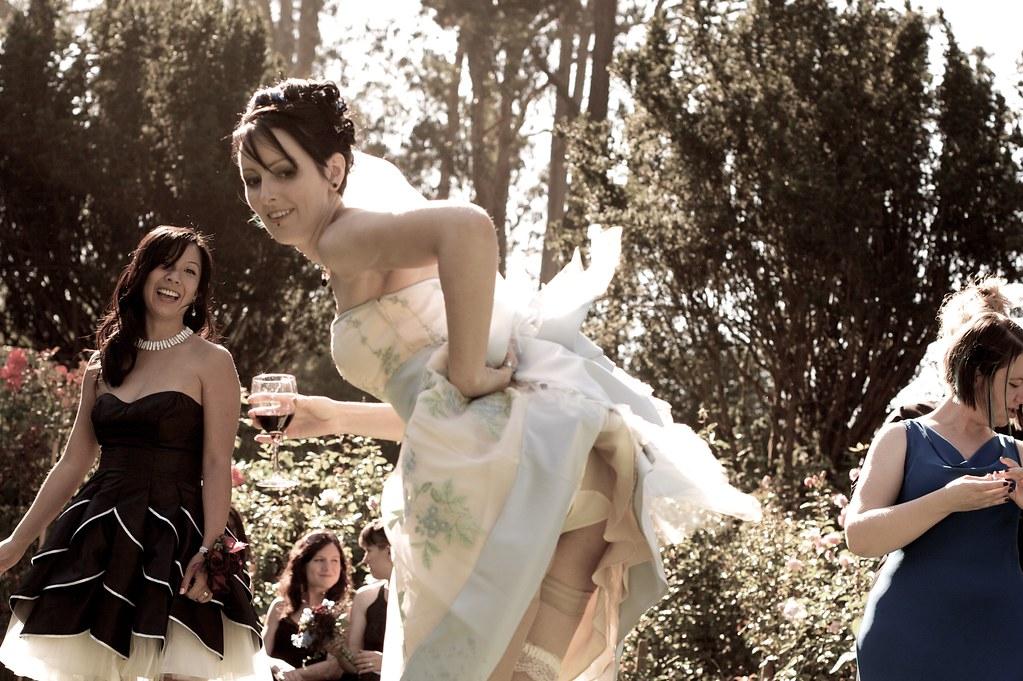 A bride ass flash | photo by robert andersen | reelgeek