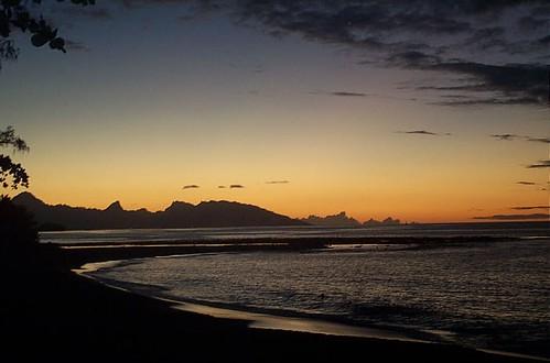 ocean sunset sea sol beach water night atardecer mar agua lafayette pacific playa puestadesol tahiti isla vacaciones pacifico anochecer oceano moorea papeete polinesia oceanopacifico oceanpacific polinesiafrancesa reservasdecochescom