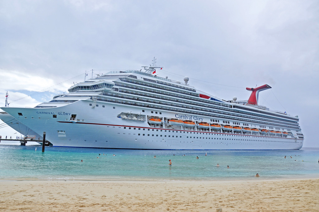 DSC_5673b   The Carnival Glory docked at Grand Turk ...