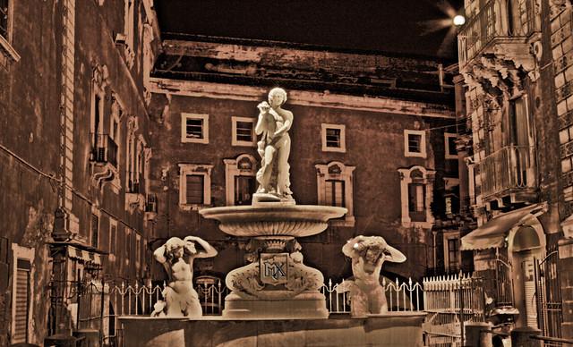HDR - Catania, fontana dell'Amenano di Tito Angelini