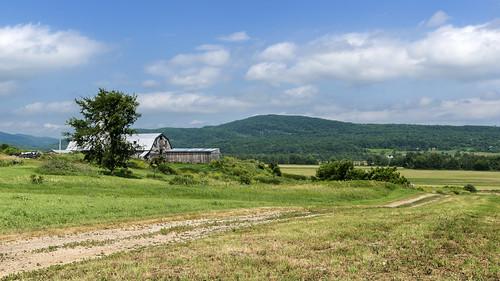barn rural landscape vermont farm addison addisoncounty