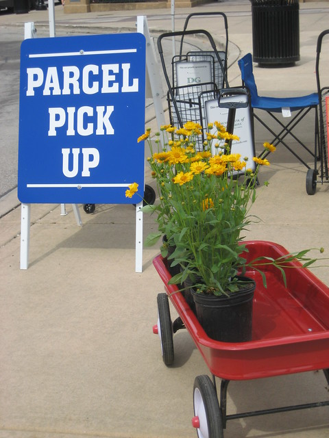 Parcel Pick Up at Downtown Downers Grove Market
