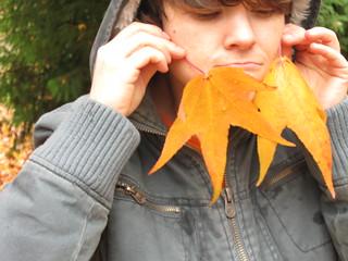 leaf beard   by noisyspoon