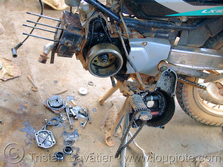 DSC05464 - Motorcycle Engine Repair | by loupiote (Old Skool) pro