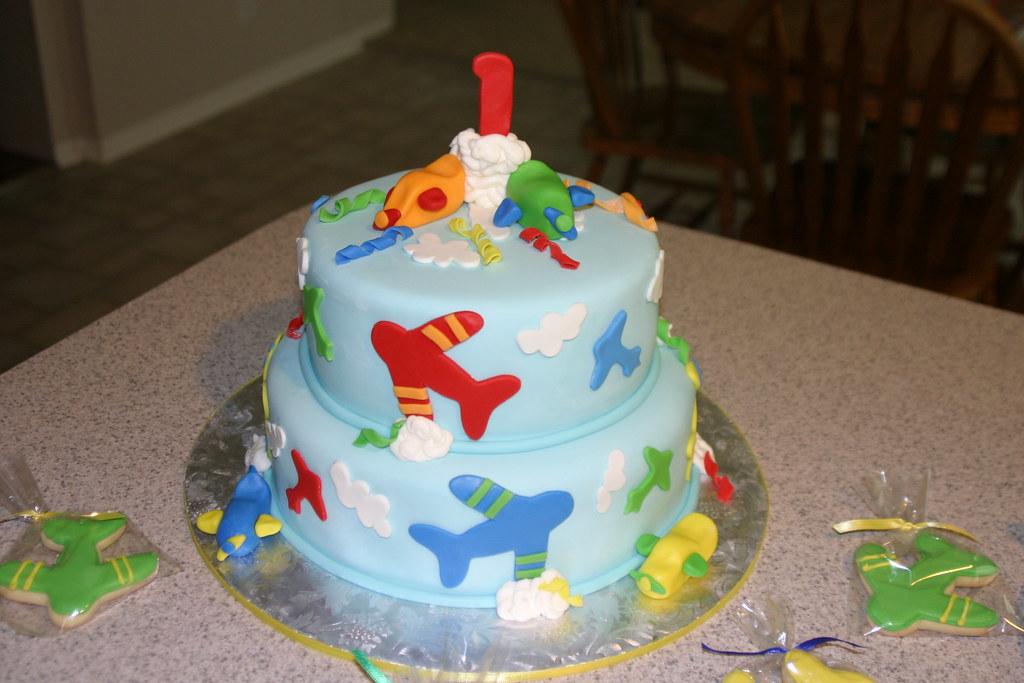 Phenomenal Babys 1St Airplane Birthday Cake 10 And 8 Round Cakes C Flickr Funny Birthday Cards Online Alyptdamsfinfo