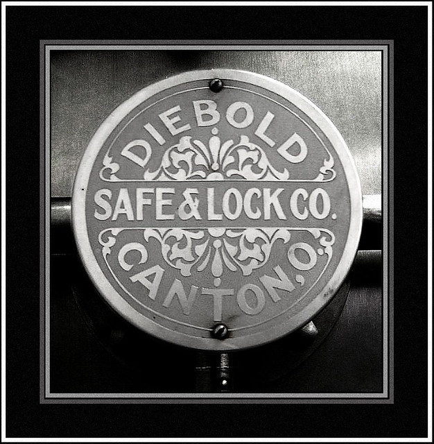 Diebold Safe & Lock | Part of an old Diebold Vault Door