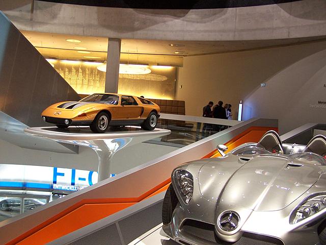 Mercedes c111.jpg