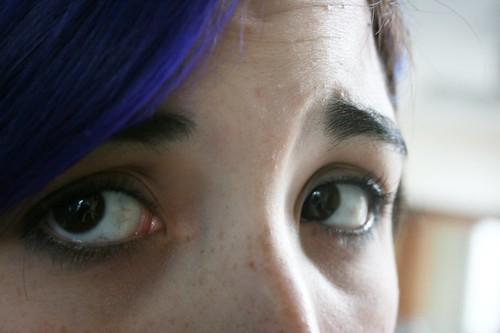 sad eyes   by citymorningblue