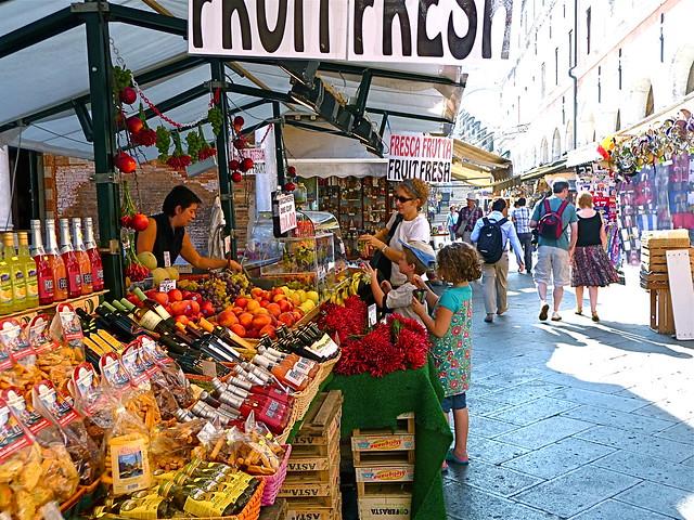 Venice fruit