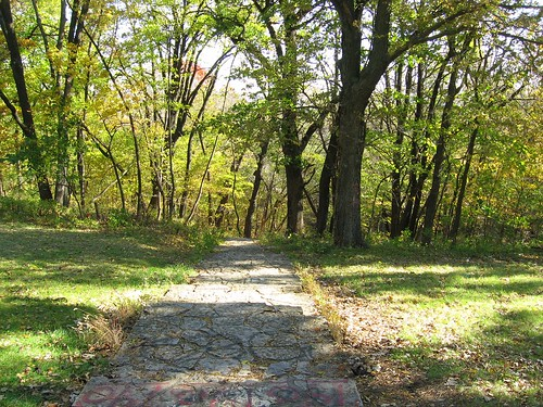 park mist stairs nebraska witch ghost haunted omaha ritual druid orbs paranormal alter sacrifice eakins hummel morphing macabe aparition leaningtrees 102008