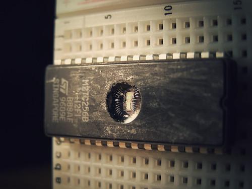 Macro microchip   by etharooni