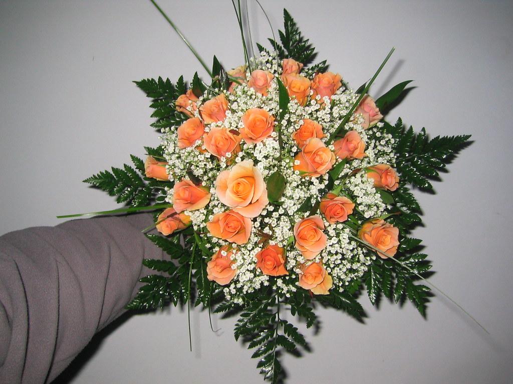 Bouquet Sposa Arancio.Bouquet 2 Fiori Gerbere Arancio Velo Da Sposa Ginestra Flickr