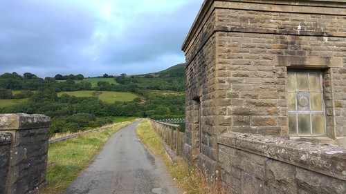 Road accross the dam at Talybont Reservoir | by pluralzed