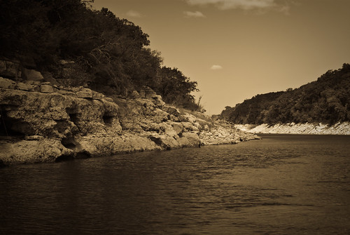 lake water rock sepia landscape outdoors texas bank hei vignette summerparty medinalake lakehills k10d coreyleopold heisummer partymedina