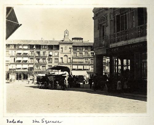 Calle Ancha y Zocodover hacia 1909. Casa de los Tiros, Granada.