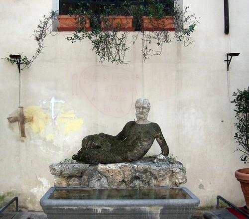 La fontana più brutta di Roma! | by Dous^_^